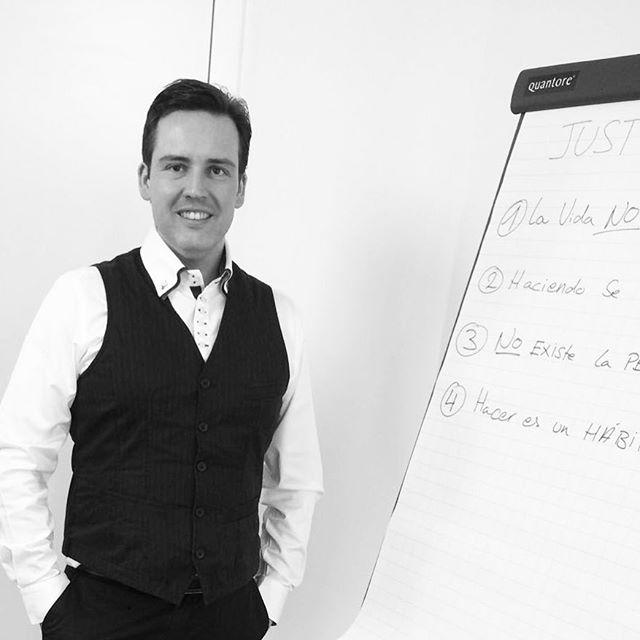 ¿Cual es le hábito NR. 1 que diferencia a los de #éxito?  Descúbrelo en este vídeo http://bit.ly/2zbFqXh. Pregunta, comenta, comparte. Un Abrazo. Julio